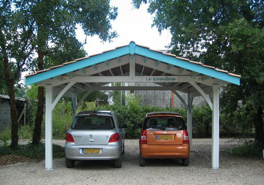 Abri voiture double en bois et tuiles