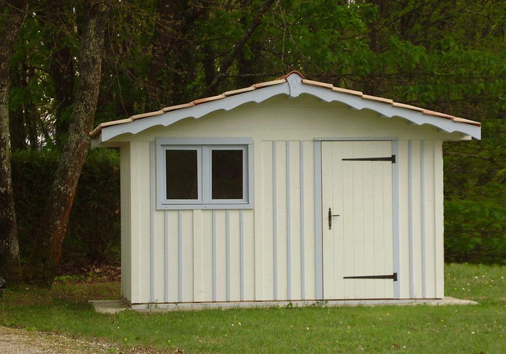 Modèle LE TEICH 7,90 m²<br/> Façade 3,60<br/> Profondeurs 2,20<br/> Présenté avec option : fenêtre 2 vantaux ouvrants