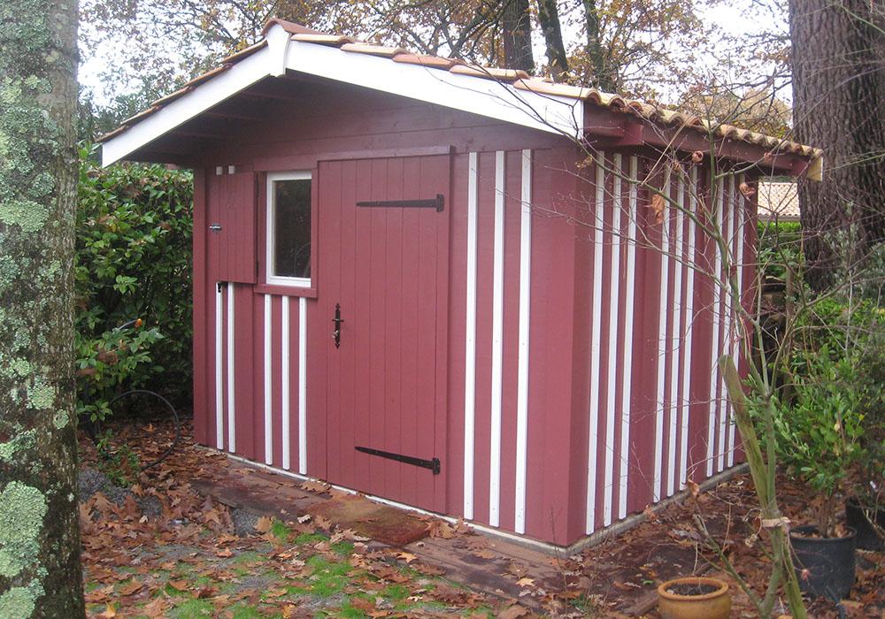 Abri de jardin en bardage verticale bois type cabane ostréicole