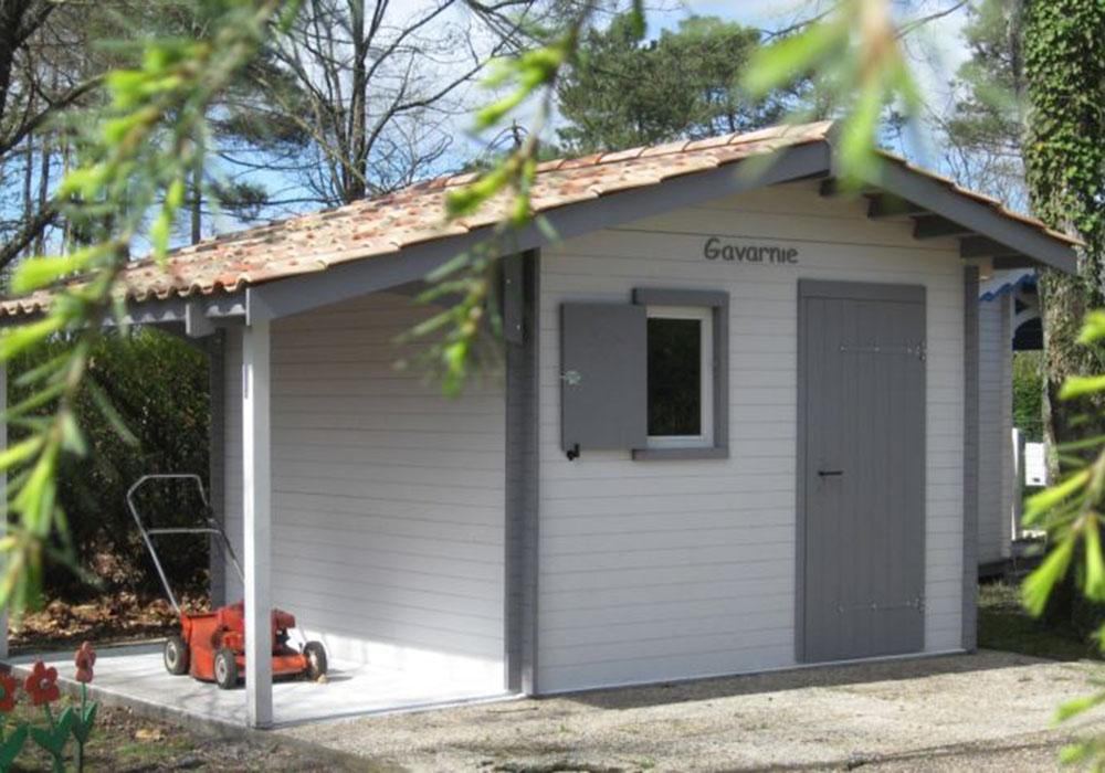 Abri de jardin à lames horizontales bois et tuiles - Robert Léglise 33